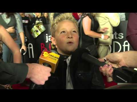 Bad Grandpa Red Carpet  Johnny Knoxville and Jackson Nicoll