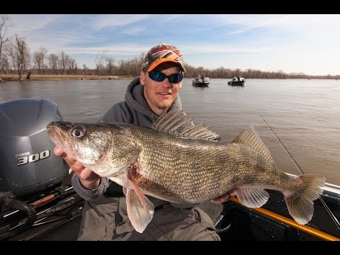 How To Catch Pre-Spawn 'Eyes On Blades & Rattle Baits - In-Depth Outdoors TV Season 8, Episode 20