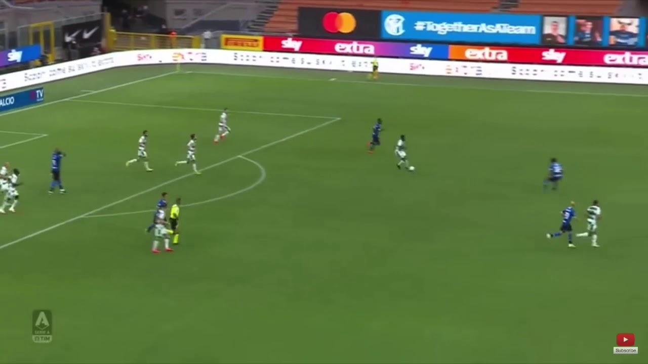 Gol sbagliato Gagliardini Inter Sassuolo 3-3 - YouTube