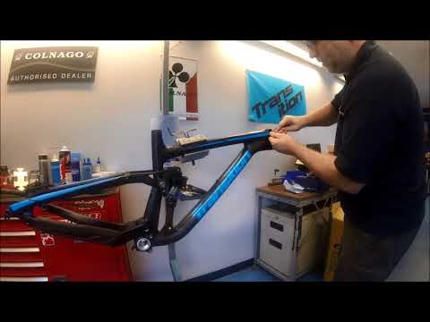 Stealth cable routing on the Transition Carbon Patrol/ Scout