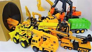 パワーショベル、ダンプ、ブルドーザー、ミキサートラック、建設用トラックが箱にすぽすぽ突入!