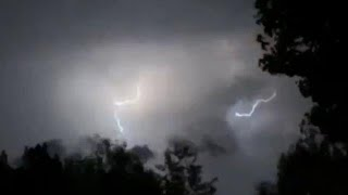 Flinke onweersbuien boven Gardameer