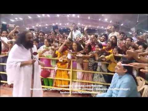 Some lighter moments with Sri Sri Ravi Shankar at Bangalore Ashram!
