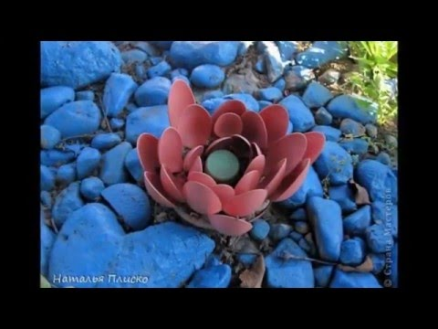 Цветы кувшинки или лилии из пластиковых бутылок
