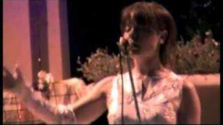 """Alessia Rossini canta """"Per una bambola""""  In villa Nazaret Roma."""