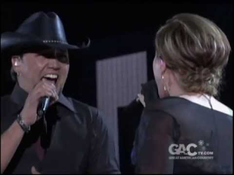 Jason Aldean and Kelly Clarkson  Dont You Wanna Stay
