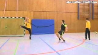 تدريبات لاعب الجناح في كرة اليد.wmv