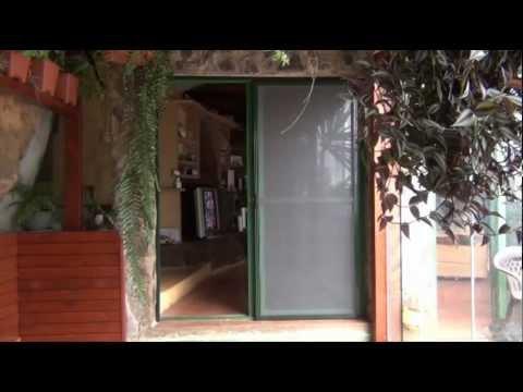 Mosquitera corredera puerta youtube for Puerta corredera de taller