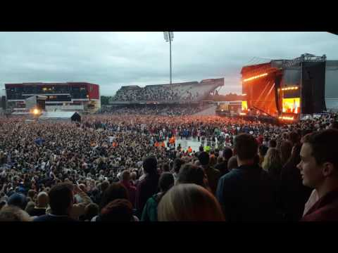 Courteeners old trafford manchester are you in love with the notion ? 27th May 2017