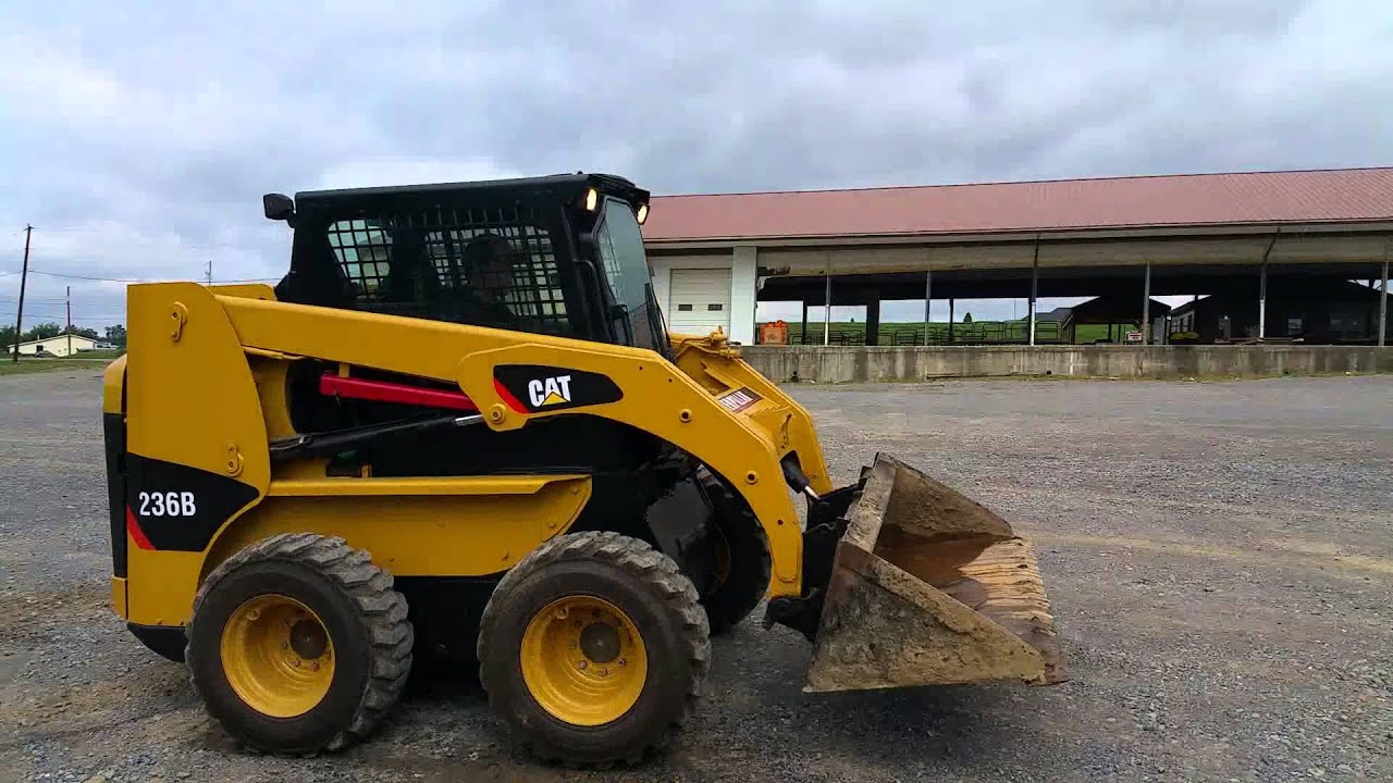 medium resolution of 2005 caterpillar 236b rubber tire skid steer loader for sale inspection video