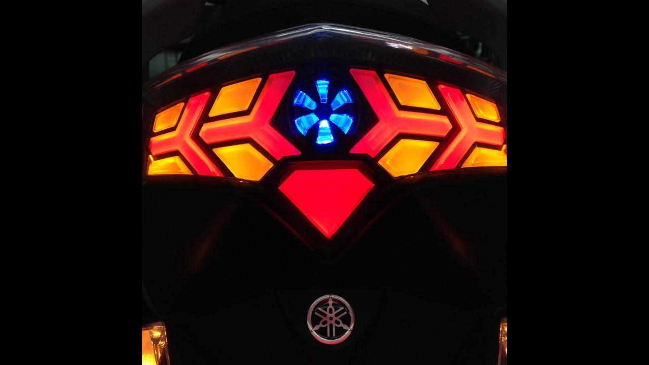 YAMAHA SMAX 整合式造型尾燈 {透明燈殼版} - YouTube