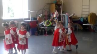 малыши танцуют калинка малинка(, 2012-07-20T11:25:24.000Z)