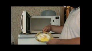 Как приготовить яичницу в микроволновке