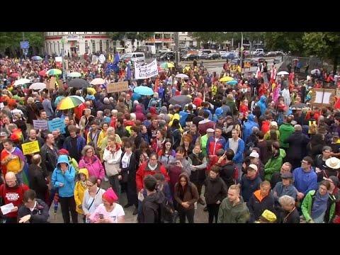 الآلاف يحتجون في ميونيخ الألمانية ضد سياسية حلفاء ميركل المناوئة للمهاجرين…  - نشر قبل 2 ساعة