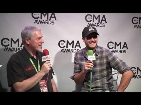 CMA Awards 2015 Luke Bryan
