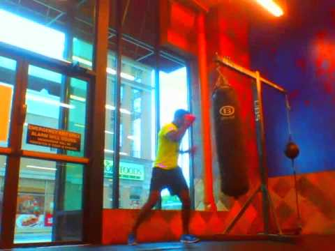 Tracy Rollins Jr. BOXER - Bag Work - Miguel (Quickie)