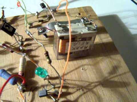 temperature sensitive switch with Schmitt trigger (schematic)