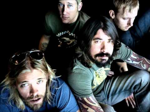 Foo Fighters - Walk (Acoustic)