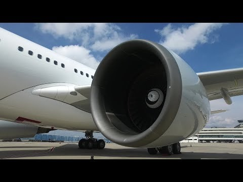 Height and distance control with 3D sensor system for airport vehicles