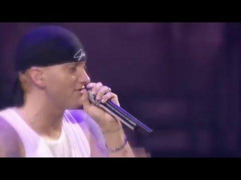 Eminem cries for her daughter (Hailie Jade)