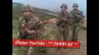 أفراد من الجيش الجزائري يرقصون على أنغام أغنية شاوية