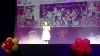 """Анастасия Лапшина ,, Девочка которая поет"""" с песней ,, Две ладошки"""""""
