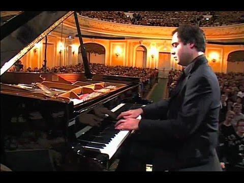 Alexander Melnikov plays Rachmaninoff Piano Concerto no. 2 - video 2008
