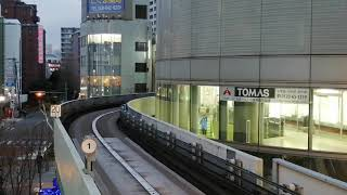 ニューシャトル 1050形3番編成(ラインカラー緑色) 大宮駅発車