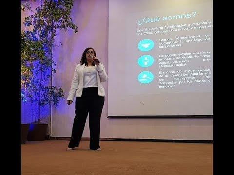 Jasmin Fabré durante su ponencia en el  primer taller de Introducción a las FINTECHS.