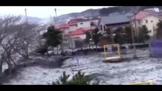 Цунами в Японии 2011. Невероятные кадры.(Землетрясение в Японии и невероятные кадры с места событий. Решил выложить у себя на канале это видео. Многи..., 2015-09-24T18:48:19.000Z)