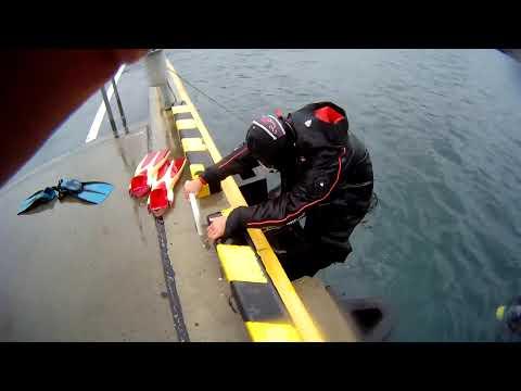 水中でドライスーツのファスナーを開けた結果  Waterproof D7