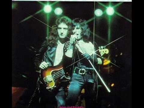 Queen - She Makes Me (Stormtrooper in Stilettos)