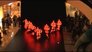Приколы 2013   TRON LED Suits  Невероятное представление в светодиодных костюмах