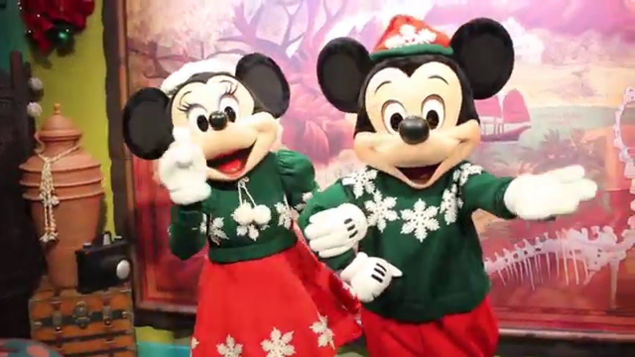 Christmas Minnie Mouse Disneyland.Mickey Mouse And Minnie Mouse Say Merry Christmas At Disney S Animal Kingdom
