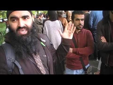 Muslim preacher debates street preacher Jason Burns at Hyde park