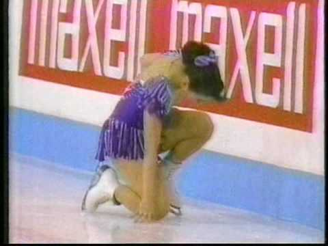 Crash between Midori Ito (JPN) & Laetitia Hubert (FRA) - 1991 World Figure Skating Championships