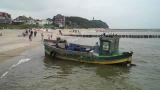 Niechorze powrót kutra na przystań rybacką Atrakcje Niechorza