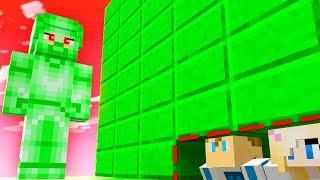 Minecraft: UKRYWAM JULIE PRZED ZIELONYM STEVEM!