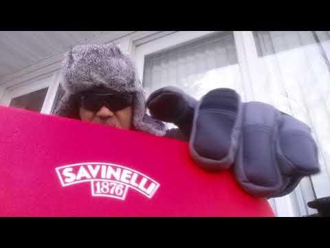 Unboxing a Savinelli 320 2017 Saint Nicholas pipe.