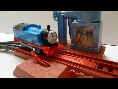 Đồ Chơi Tàu Hỏa Thomas & Friend Hướng Dẫn Lắp Ghép Đường Sắt Tàu Hỏa (Bí Đỏ)