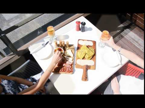 The Pier Cairns - Boardwalk Dining For Foodies