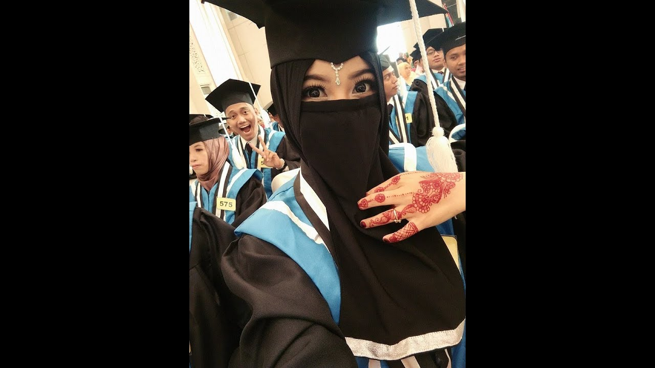 410 Gambar Kartun Wanita Muslimah Wisuda Terbaik