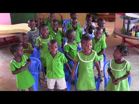 Learning English by singing. Nursery children. Akwamufie. Ghana.