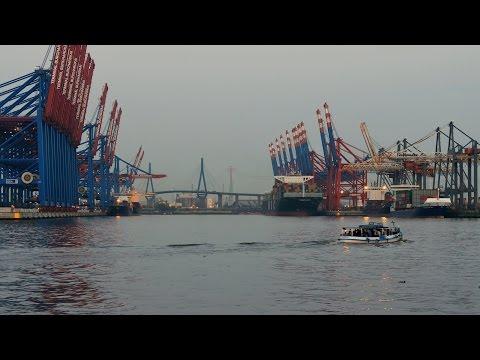 Hamburg, Germany: Waltershof, Hafen (Harbor), Abenddämmerung (dusk) - 4K UHD Video Image