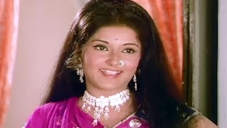 Moushumi Chatterjee falling in love with Anil Dhawan | Ghulam Begum Badshah | Romantic Scene 6/20