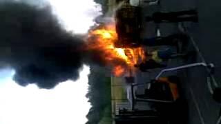 Пожар в глобусе Подольск! Жара!(Загорелись поддоны. Все стоят и смотрят. Обратите внимание сколько их там! Огромное количество!, 2012-10-21T07:15:13.000Z)