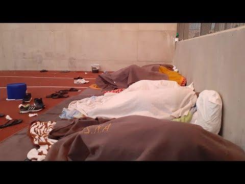 سوريون معتقلون في قبرص اليونانية بدون اسباب ويضربون عن الطعام  - وقوف إجباري  - 13:58-2020 / 1 / 19