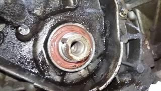 видео Замена сальника коленвала ВАЗ 2109