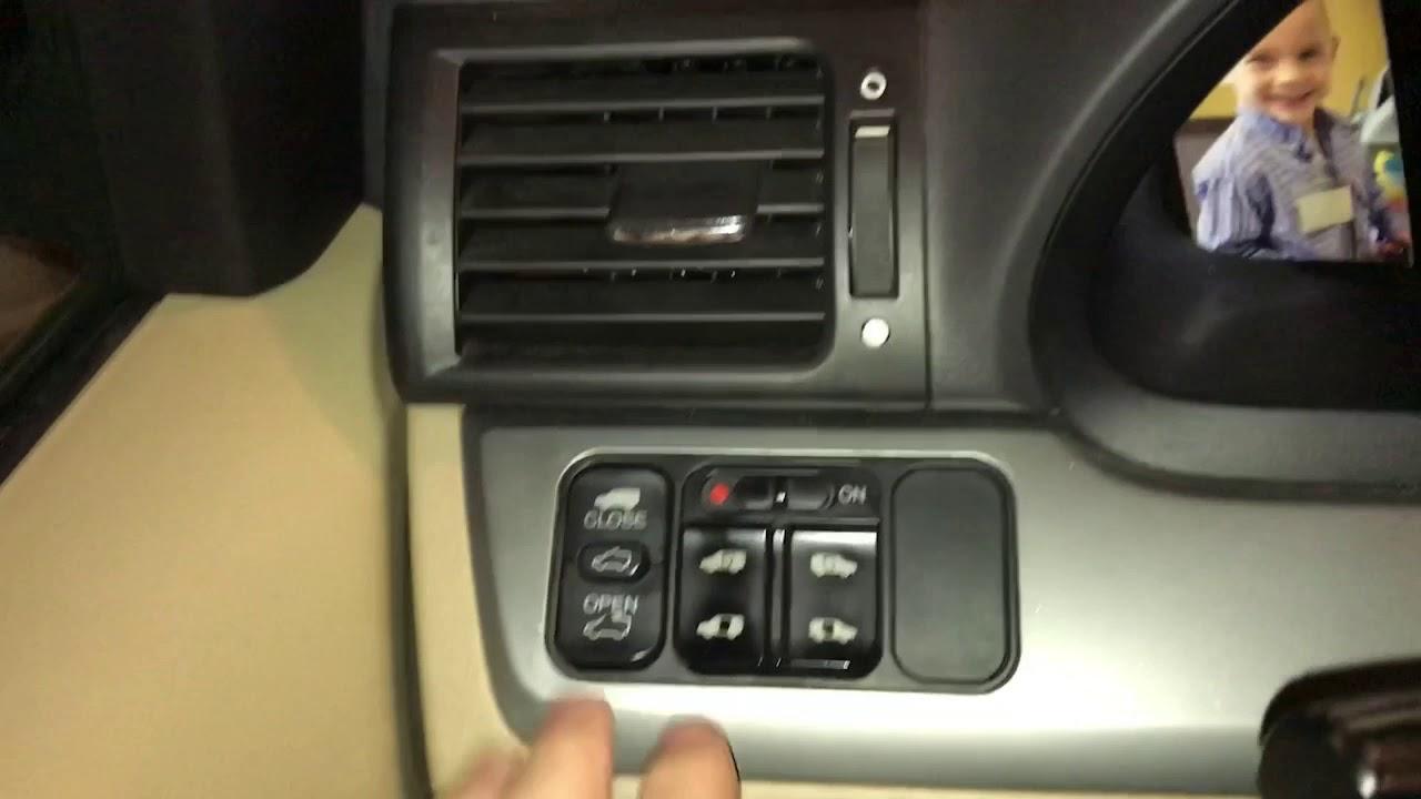 Honda Odyssey 2008 Door Lock Problems Unlocks Then Re Locks
