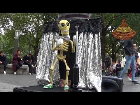JAMAICA FAREWELL Skeleton puppet singing and dancing